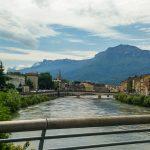 Le Vercors depuis l'un des ponts de Grenoble.